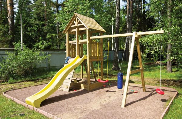 Как обустроить детскую площадку на даче?