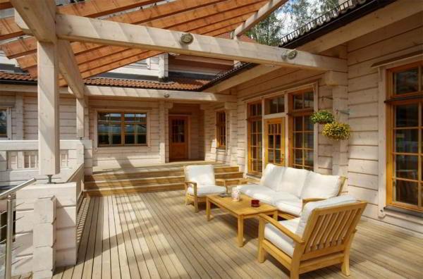 Строительство дома из клееного бруса: преимущества выбора