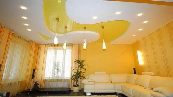Какой потолок выбрать — натяжной или подвесной?