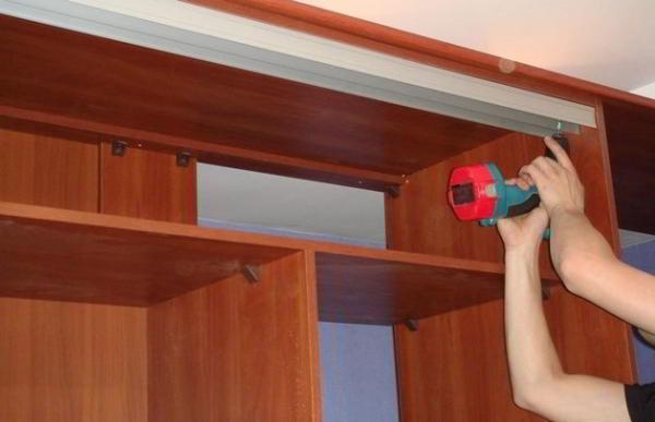 Встроенный шкаф купе своими руками. Как самостоятельно сделать шкаф купе
