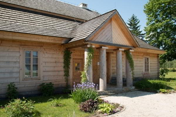 Вентиляция в деревянном доме: основные правила и рекомендации