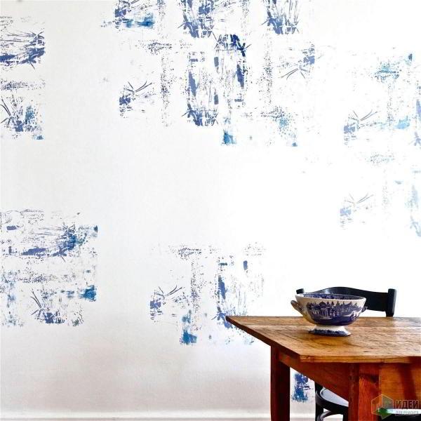 Рисунок на белой стене