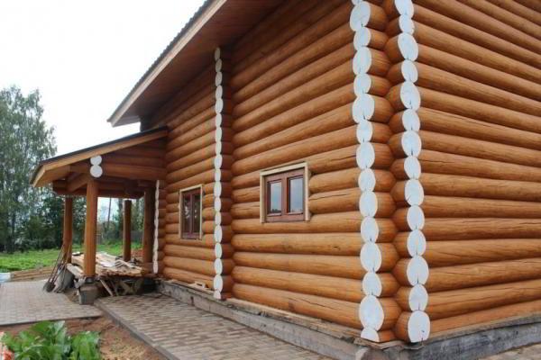 Как уменьшить растрескивание бревен деревянного сруба