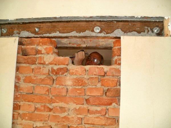 Как сделать проем в стене своими руками