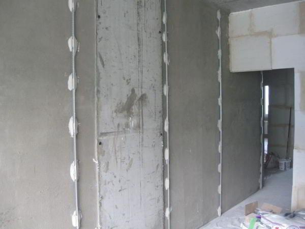 Как правильно штукатурить стены своими руками