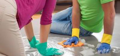 Как правильно выбрать средство для мытья полов