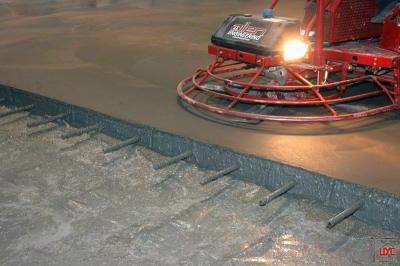 Как правильно уложить промышленные бетонные полы своими руками