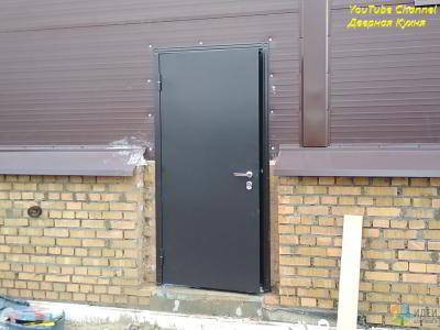 Что такое теплый монтаж двери? Или как мы ставили дверь торекс Снегирь 20 в новый автосервис.
