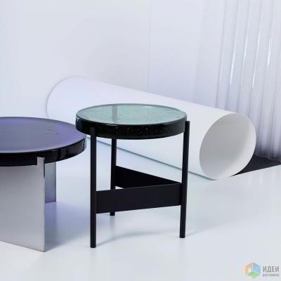 Столики из цветного стекла