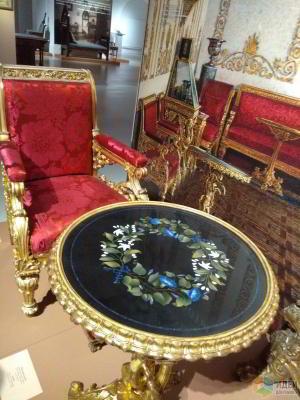 Картинки с выставки… мебели