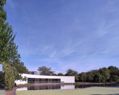 Новый павильон в лондонском парке по проекту студии Bell Phillips